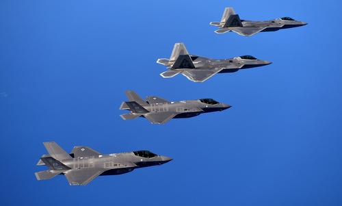 Mỹ nâng cấp tiêm kích F-22, tạo cặp song sát với F-35