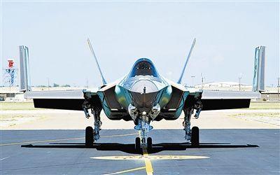 """Tàu sân bay lớp Ford của Mỹ trang bị F-35C sẽ """"vô đối"""" trong tương lai"""