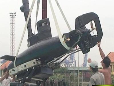 Tàu ngầm Việt Nam do hậu duệ cụ Phan Bội Châu chế tạo