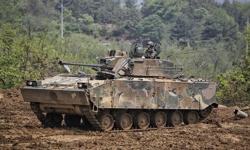 Thiết giáp lưỡng cư có khả năng diệt trực thăng của Hàn Quốc