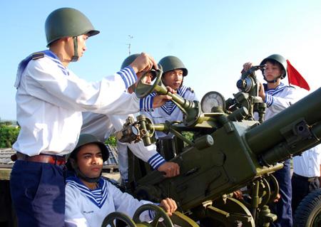 """Lữ đoàn 147 – """"quả đấm thép"""" của Hải quân Việt Nam"""