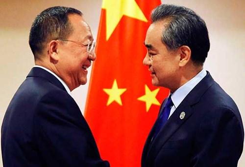 Tình hình căng thẳng trên bán đảo Triều Tiên chiều 08-08-2017: Trung Quốc đang ép hay đang nịnh Triều Tiên?