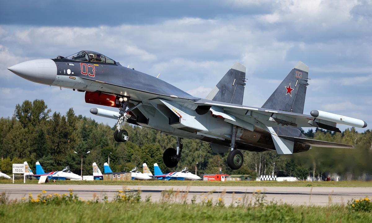Kịch bản đối đầu giữa tiêm kích Su-35 Nga và F-15 Mỹ