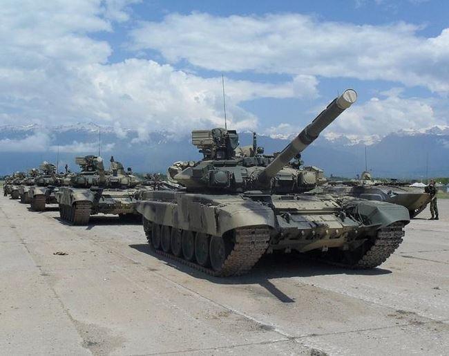 Báo Trung Quốc bình luận Việt Nam biên chế xe tăng T-90 Nga