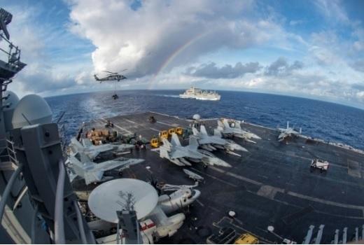 Mỹ bất ngờ đưa một loạt tàu sân bay hoạt động quanh Trung Quốc, Triều Tiên