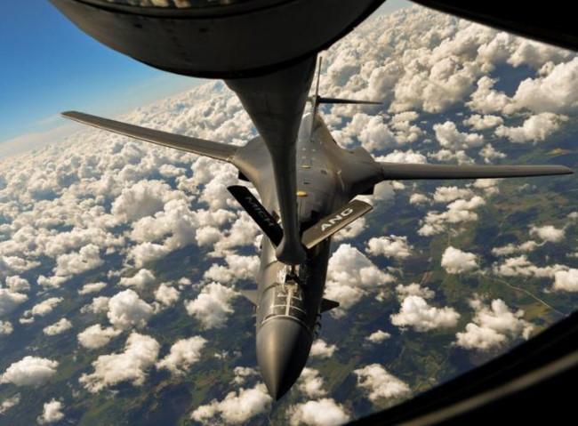 Mỹ bất thần tập trận không-hải trên Biển Đông, Trung Quốc thêm phen nuốt giận