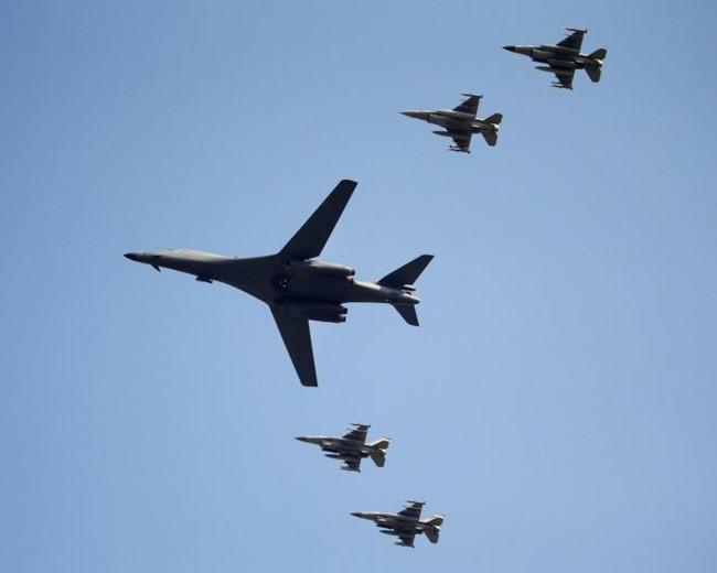 Mỹ tung máy bay chiến lược B-1B đến Biển Đông để 'nhắc nhở' Trung - Nga
