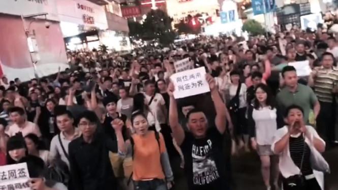 Biểu tình lớn ở Thượng Hải
