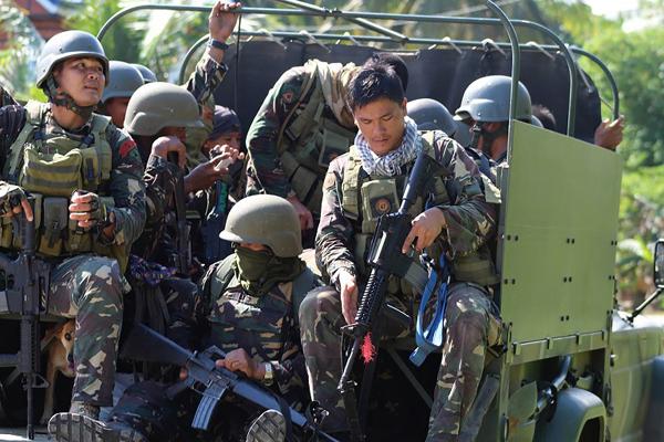 Philippines 'chi hết' 500 triệu USD vay của Bắc Kinh để mua vũ khí Trung Quốc