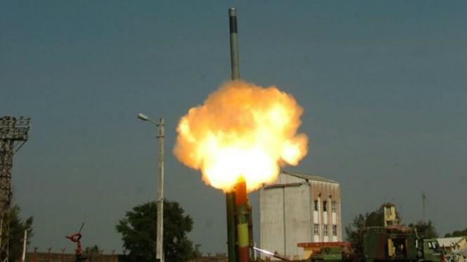 Ấn Độ nâng cấp thành công tên lửa Brahmos có tầm bắn 450 km