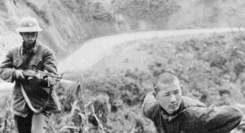 Chiến tranh biên giới phía Bắc 1979: Trung Quốc thảm bại ngay từ trong nội bộ...