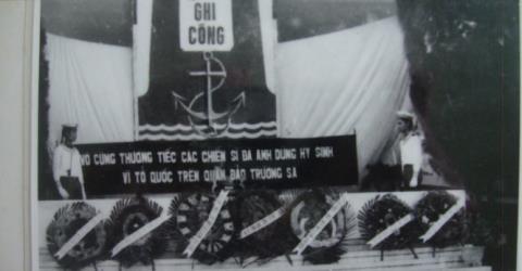 le truy dieu cac liet si hy sinh tai truong sa ngay 14-3-1988 to chuc tai quan cang cam ranh.