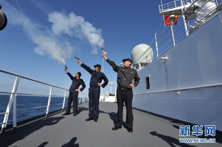 Trung Quốc phô trương lực lượng trên biển Hoa Đông