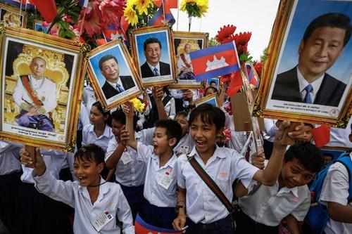 Trung Quốc hóa Campuchia: Ông Hun Sen muốn học mô hình quản trị của ông Tập Cận Bình