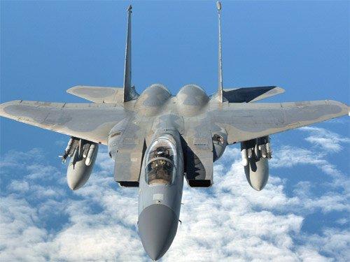Tiêm kích F-22 chế ngự loạt chiến cơ F-15