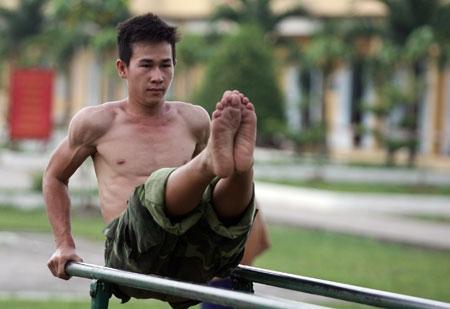 Tự rèn luyện để nâng cao sức khỏe.