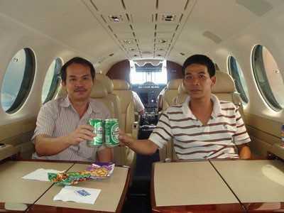 Máy bay, bầu Đức, Trần Đức Long, Hoàng Anh Gia Lai, Hòa Phát