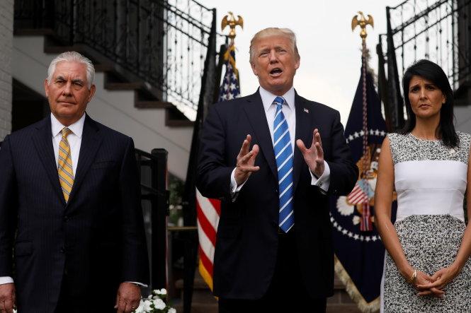 Ông Donald Trump tung hết đòn ép Trung Quốc