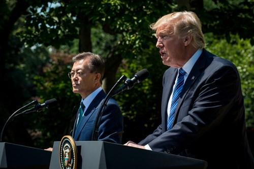Mỹ đang hiệu chỉnh chính sách với cả đồng minh lẫn đối thủ ở Đông Á?