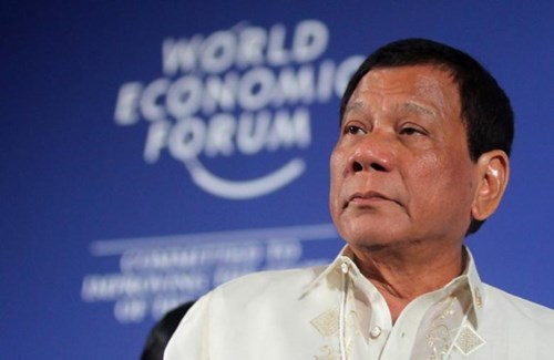 Tại sao ông Duterte 'lộ tin' ông Tập Cận Bình cảnh báo chiến tranh ở Biển Đông?