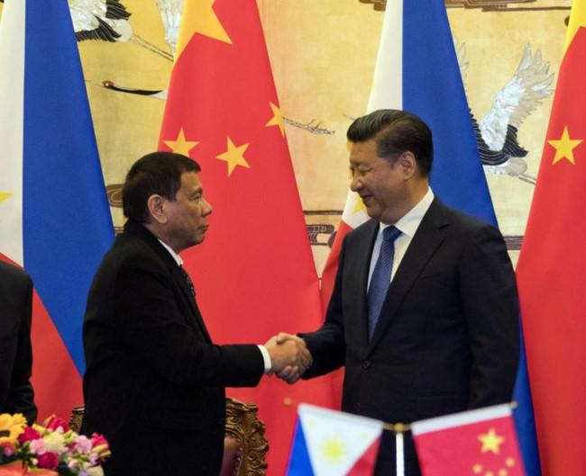 Tin tức tình hình Biển Đông sáng 01-11-2017: Tổng thống Mỹ khó ngăn Philippines xoay chiều về phía Trung Quốc