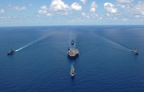 Nhận diện đội hình tiến công của 'pháo đài di động trên biển'