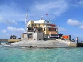 """Đảo Cô Lin (trên) và đảo Len Đao (dưới) chính là """"vòng kim cô"""" của Gạc Ma."""