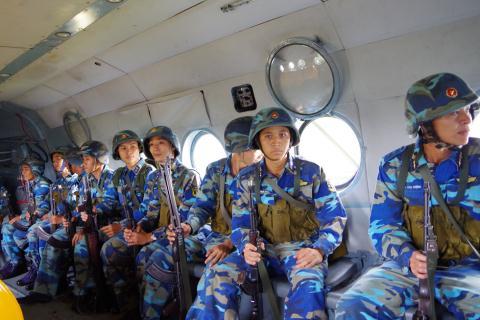 Hải quân đánh bộ Việt Nam huấn luyện đổ bộ