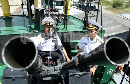 Hình ảnh huấn luyện SSCĐ Vùng 1 Hải quân
