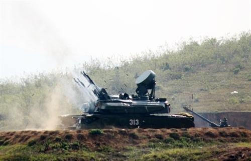 Strela-10M đã tham gia Chiến tranh vùng Vịnh (1991) và Chiến tranh Kosovo (1999) với hiệu suất chiến đấu khá tốt, bắn rơi tại chỗ và bắn bị thương nhiều máy bay của Liên quân (NATO và đồng minh), nhất là dòng máy bay săn diệt tăng A-10 ThunderBolt.