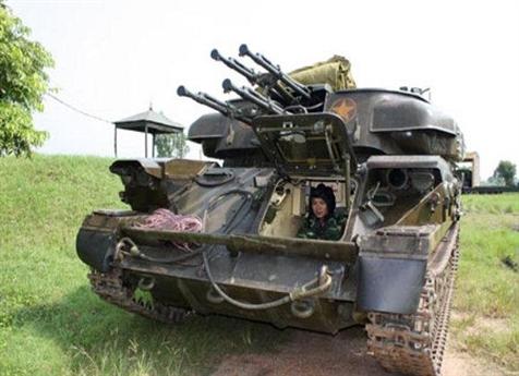 Mỗi nòng pháo có hộp tiếp đạn riêng biệt với cơ số 480-520 viên, đưa tổng cơ số đạn của ZSU-23-4M lên đến 2.000 viên. Ngoài nhiệm vụ chính là phòng không, nó có thể được dùng để chống bộ binh hoặc các phương tiện bọc thép nhẹ của đối phương.