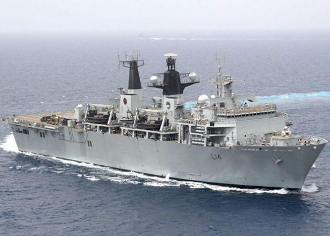 tau do bo hms albion cuahai quanhoang gia anh. anh: the independent.