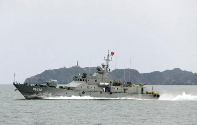 Uy lực của tàu chống đổ bộ TTP400-Tp Việt Nam