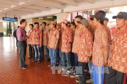 Tin tức tình hình Biển Đông trưa 15-06-2017: Tàu cảnh sát biển đưa ngư dân Việt  được Indonesia phóng thích về nước