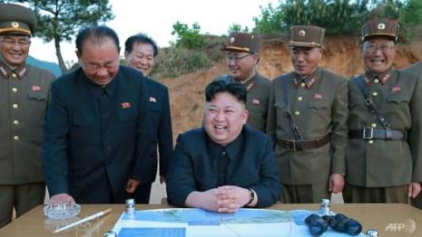 Lãnh đạo Triều Tiên Kim Jong-un đang suy tính nước cờ gì? Ảnh: AFP