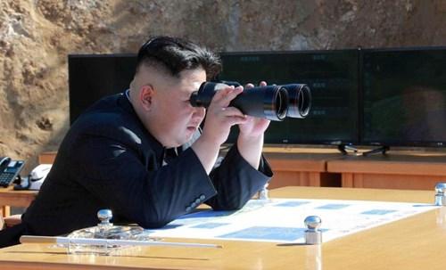 Tình hình căng thẳng trên bán đảo Triều Tiên chiều 29-07-2017: Bình Nhưỡng đòi Mỹ quỳ xuống xin lỗi, Donald Trump úp mở khả năng chiến tranh