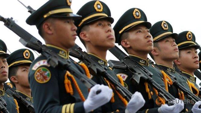 Chính quyền Trump tính bán vũ khí cho Đài Loan?