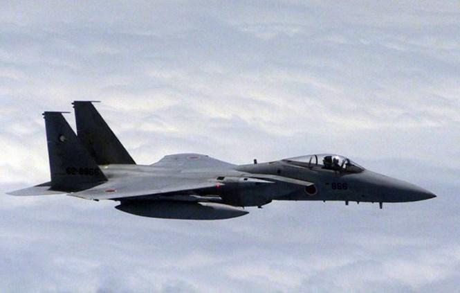 Nhật tăng gấp đôi chiến đấu cơ xuất kích đối phó máy bay 'lạ'