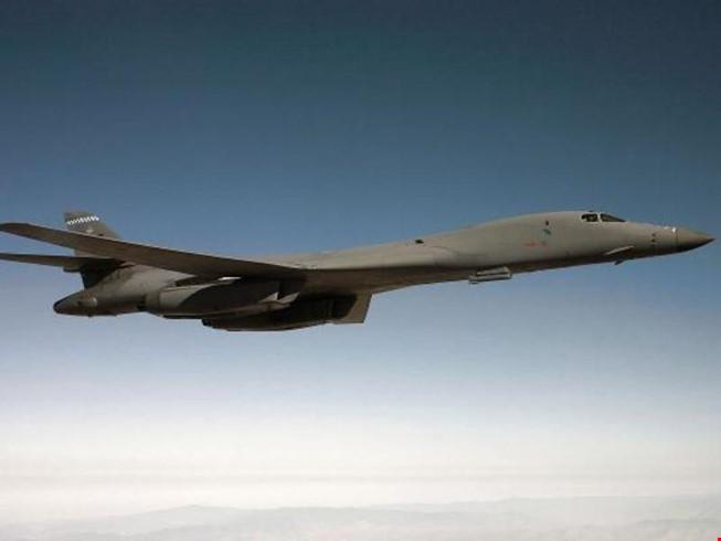 Trung Quốc cảnh báo máy bay ném bom Mỹ đi vào biển Hoa Đông