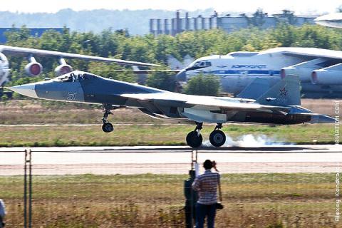 Máy bay thế hệ 8 mang tên lửa đạn đạo