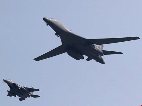 Mỹ bác yêu cầu tôn trọng ADIZ ở Hoa Đông của Trung Quốc