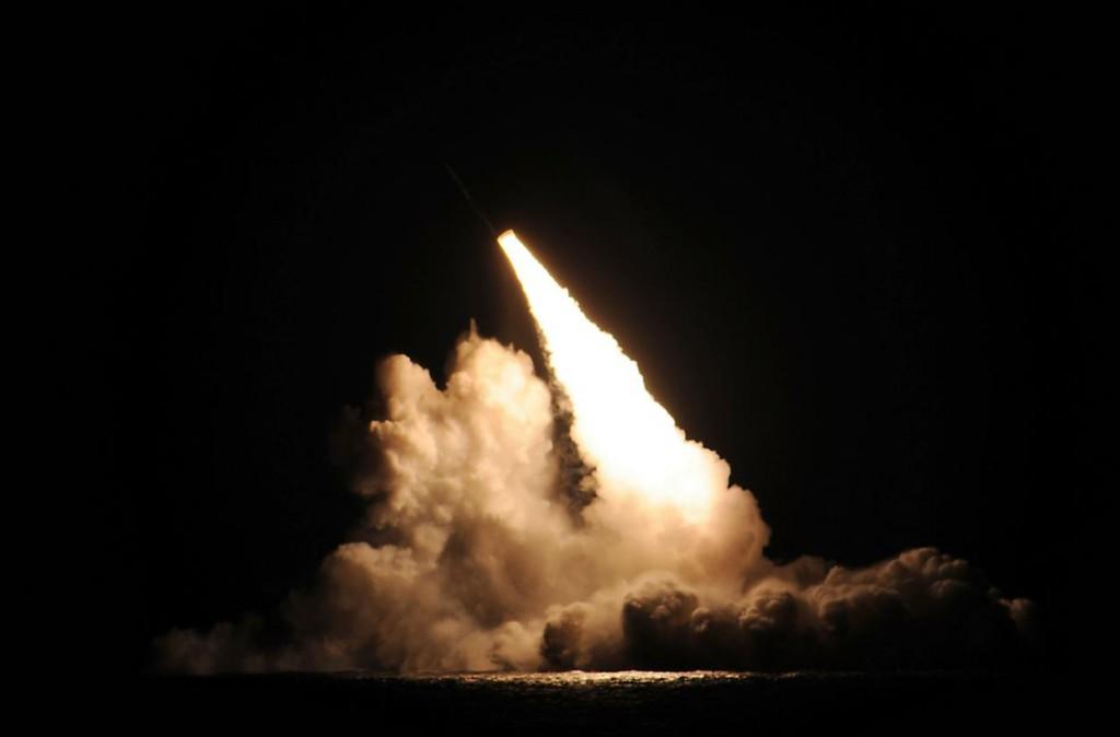 Mỹ bất ngờ phóng thử tên lửa đạn đạo ngoài Thái Bình Dương