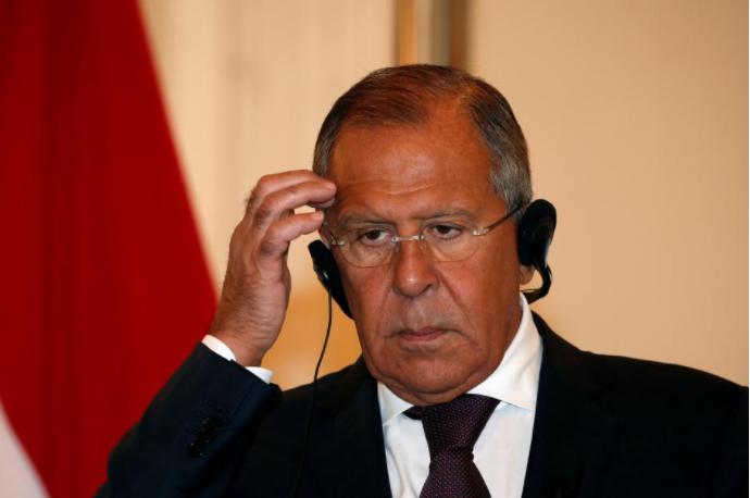 Ngoại trưởng Nga Sergey Lavrov trong cuộc gặp với Ngoại trưởng Indonesia Retno Marsudi ngày 9-8 tại Indonesia. Ảnh: REUTERS