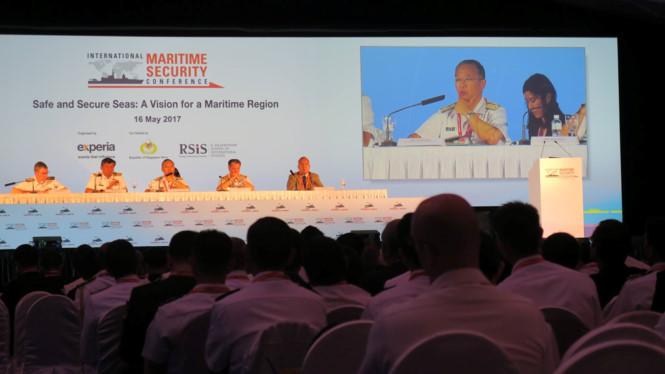 Nhật Bản cam kết cùng ASEAN bảo vệ biển