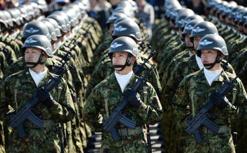 Nhật Bản cân đong ngân sách quân sự kỷ lục