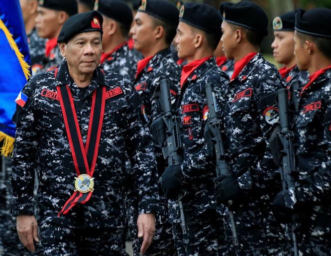 Tổng thống Philippines dọa tuyên chiến với Trung Quốc