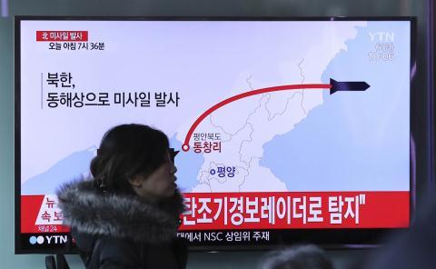 Tình hình căng thẳng trên bán đảo Triều Tiên 30-08-2017: Phóng tên lửa qua Nhật: Kim Jong-un liều lĩnh hay vĩ đại?