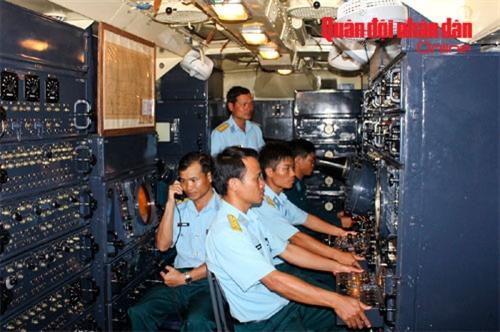 Kíp trắc thủ huấn luyện chiến đấu trong xe điều khiển