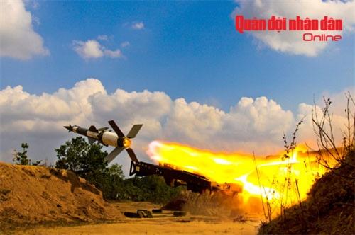 Tên lửa C125M thực hành bắn đạn thật