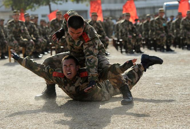 binh si trung quoc trong mot dot huan luyen - reuters